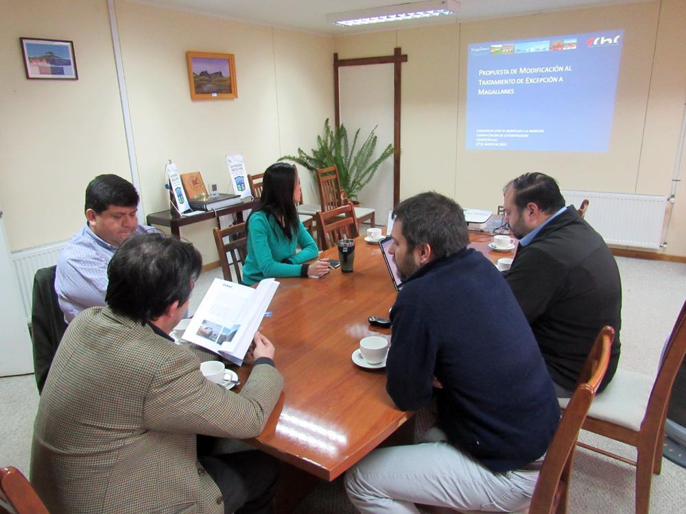Presidente de la CChC Punta Arenas expuso ante autoridades de Torres del Paine