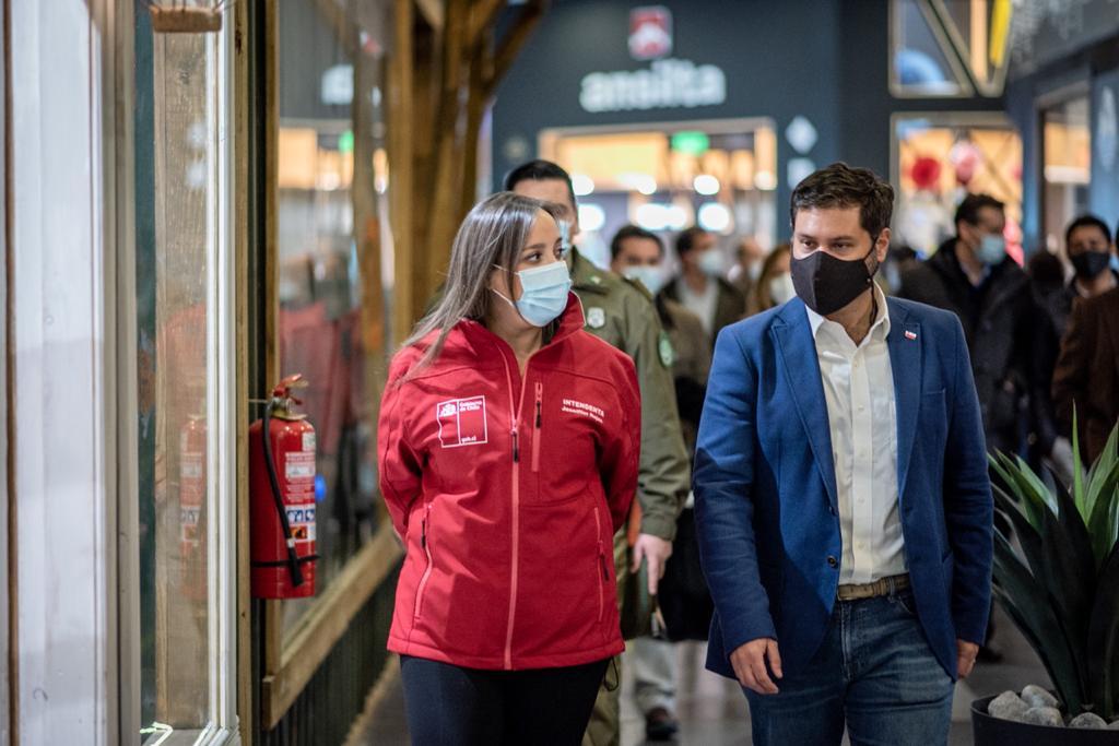 Autoridades visitan obras de ampliación del módulo central de Zona Franca de Punta Arenas