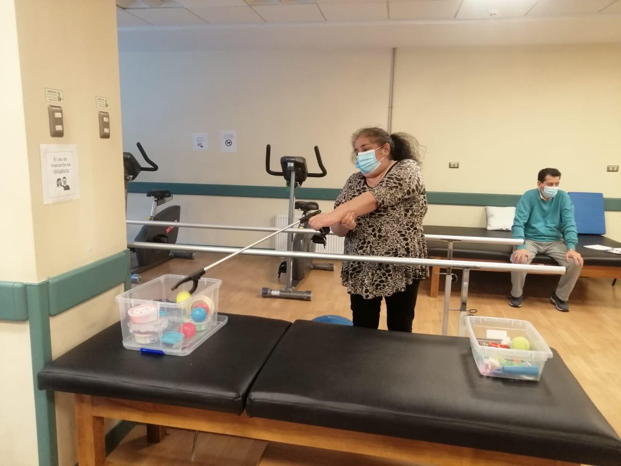Más de mil prestaciones ha entregado Programa de Rehabilitación a Pacientes Graves por COVID-19.