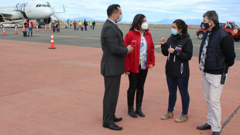 Autoridades de UItima Esperanza acompañan primer vuelo de Aerolíneas Sky a Puerto Natales: se inicia la temporada turística