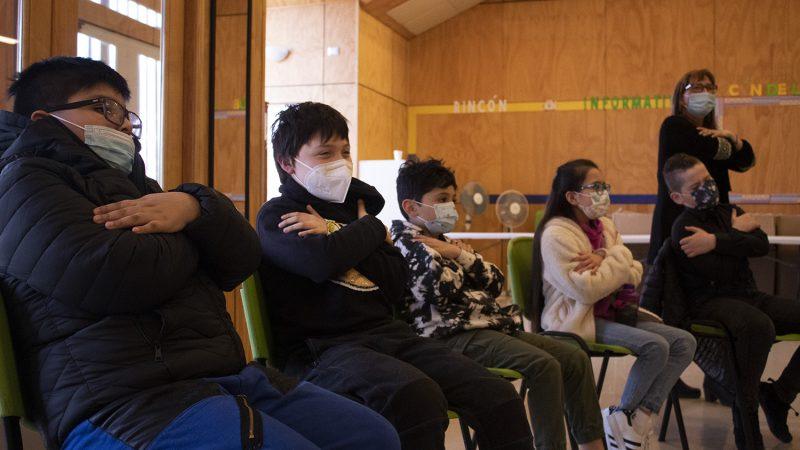 Niños y jóvenes finalizaron taller de lengua de señas organizado por el Municipio de Punta Arenas