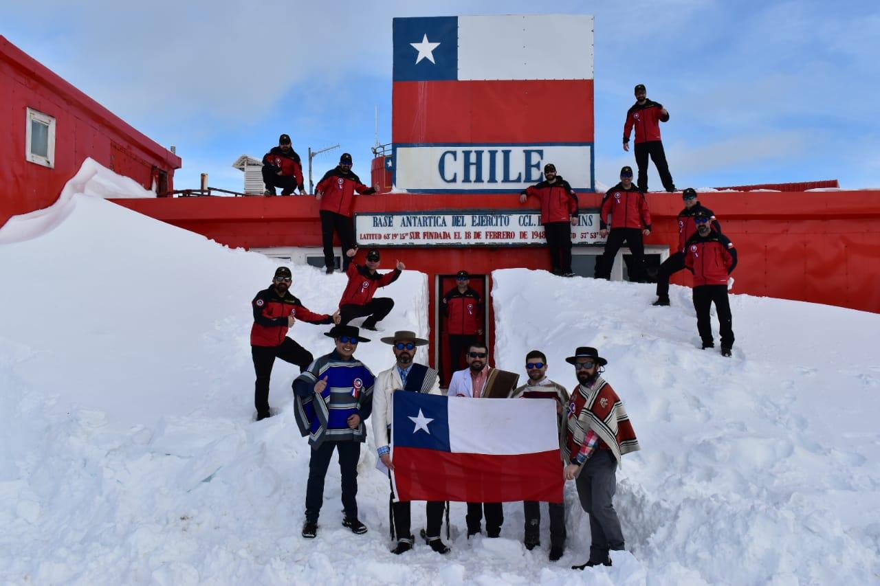 La fonda más austral del mundo, Fiestas Patrias en Base Antártica Bernardo O'Higgins