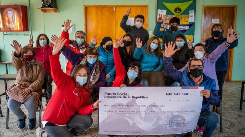 Delegada Presidencial Jenniffer Rojas realiza entrega del Fondo Social Presidente de la República a 46 organizaciones sociales